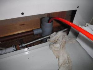 排水管の洗浄作業の様子