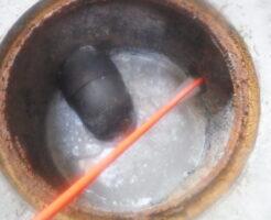 一戸建住宅の屋外排水管高圧洗浄清掃作業中